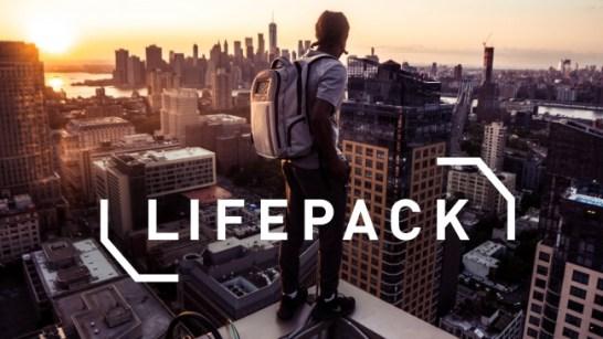 ソーラーパネル搭載の未来型バックパック『LIFEPACK』
