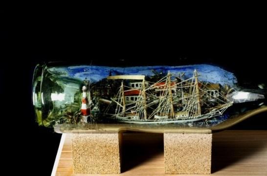 ドイツ捕虜が制作したボトルシップも展示します