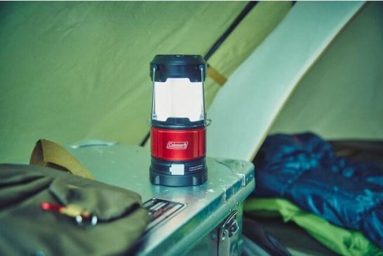 コールマン、携帯の充電もできる小型ライト2種を発売/キャンプだけでなく災害時にも活躍