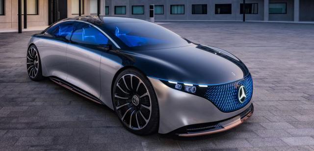 Mercedes-Benz отказались от синтетического топлива в пользу электрификации