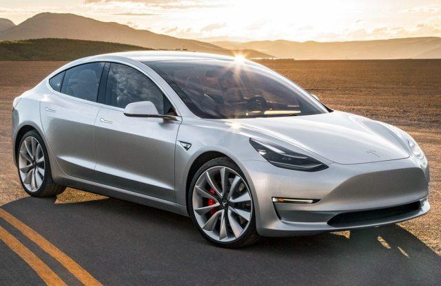 Tesla Model 3 станет дешевле за счет новых батарей