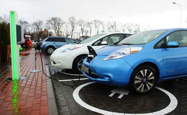 Продажи электромобилей в Украине в апреле резко упали