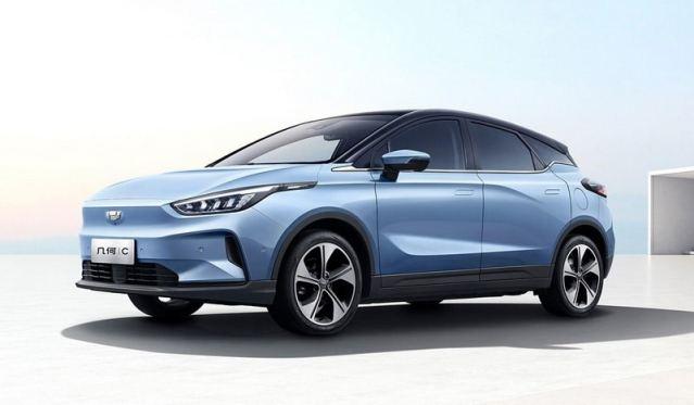 Китайская компания Geely показала «вживую» свой новый электромобиль