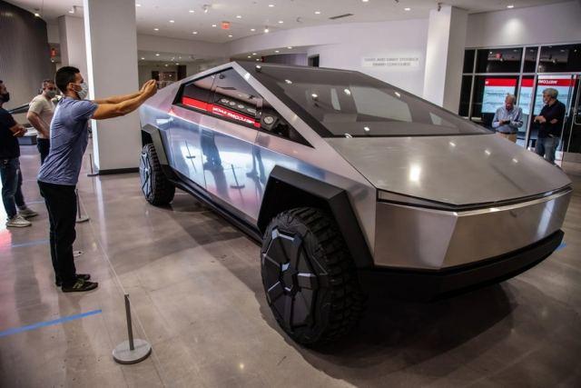 Tesla Cybertruck стал экспонатом музея