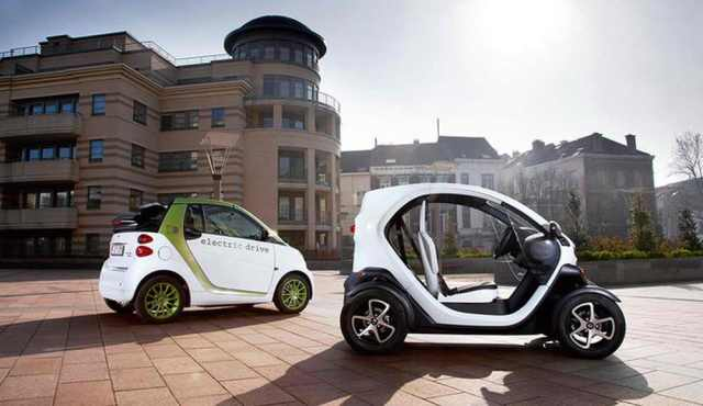 Smart Fortwo Electric vs Renault Twizy