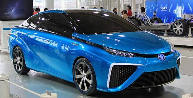 Водородная Toyota Mirai