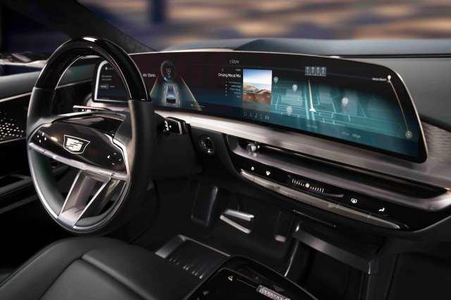 Электромобиль Cadillac Lyriq: интерьер