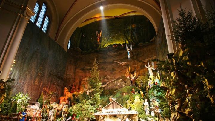 Największa w Europie szopka ołtarzowa zbudowana wewnątrz świątyni.