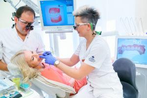Jak stres wpływa na kondycję zębów?
