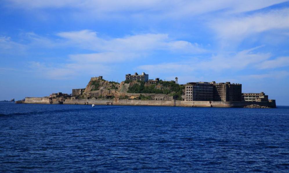 ユネスコ世界文化遺産『軍艦島』近いです