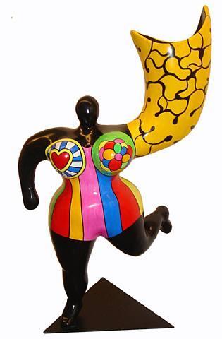 Sculpture grosse femme coloree