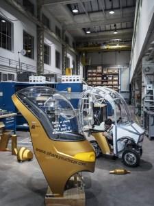 Das Bicar ist platzsparend, wendig und umweltfreundlich wie ein Velo. Gleichzeitig ist es komfortabel und wettergeschützt wie ein Elektroauto. Ein interdisziplinäres ZHAW-Forschungsteam hat den Bicar-Prototyp mit Elektroantrieb entwickelt und plant schon bald eine Testflotte aufzubauen. (Robert Huber)
