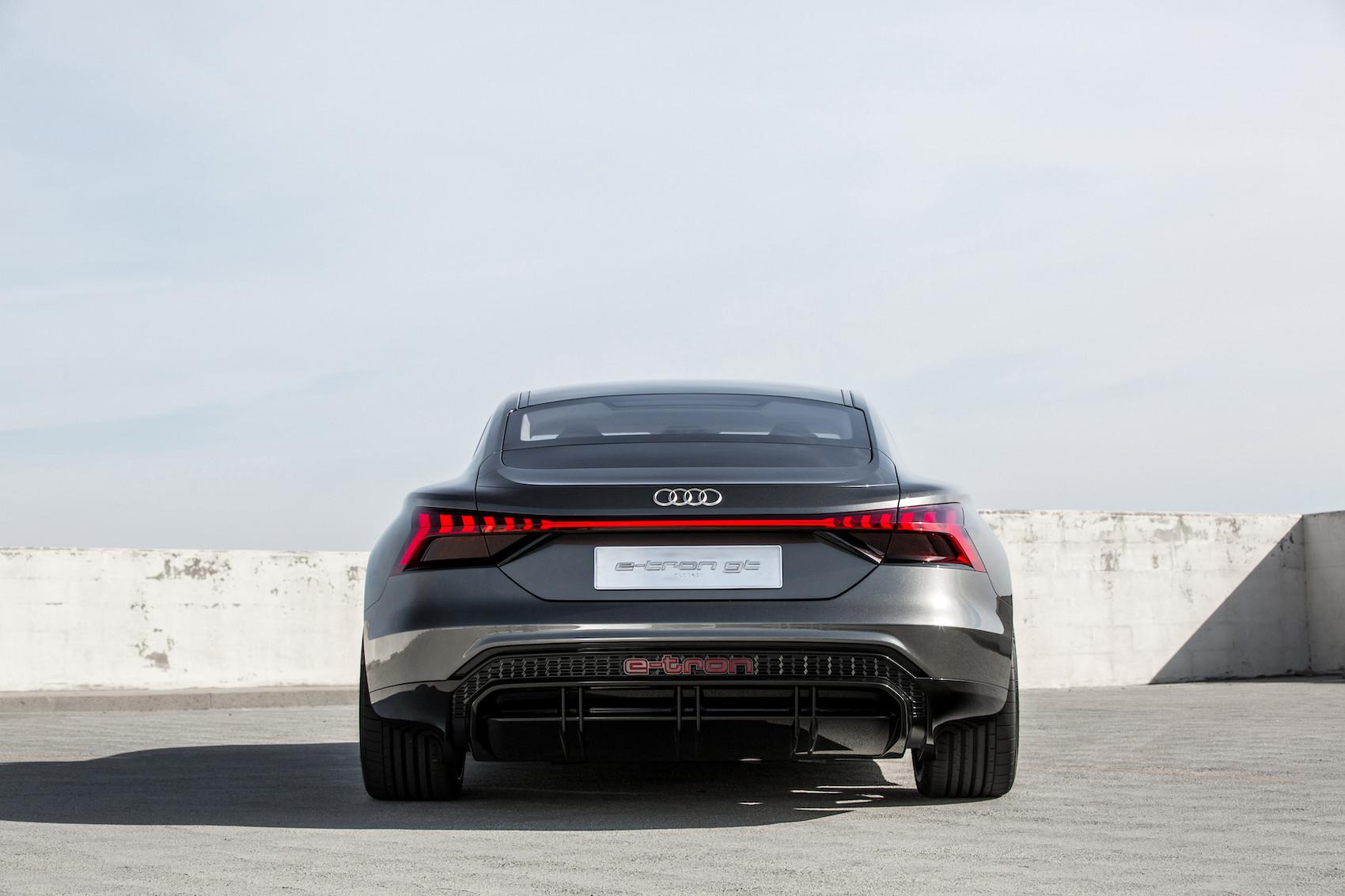 Der e-tron GT concept zeigt die nächste Evolutionsstufe der Audi-Formensprache auf. (Audi)