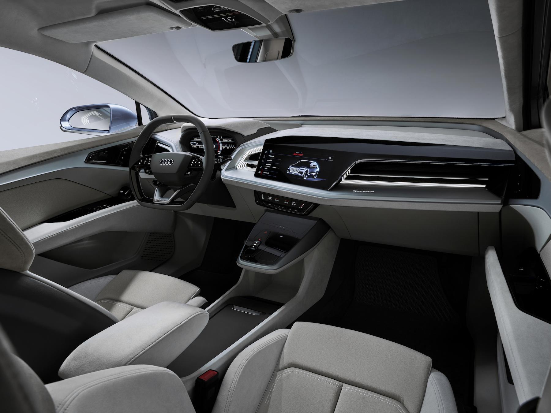 Compatto all'esterno, spazioso all'interno: nell'Audi Q4 e-tron concept, conducente e passeggeri si sentiranno a loro agio. (AUDI)