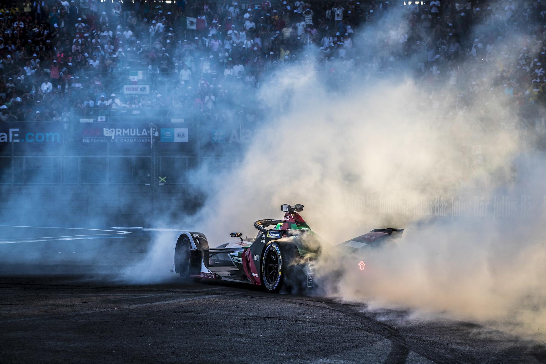 L'équipe Audi pourra-t-elle réitérer sa performance à Berne? À Mexico City, Lucas di Grassi a effectué des donuts sur le circuit pour célébrer sa victoire. (Audi Communications Motorsport/Michael Kunkel)