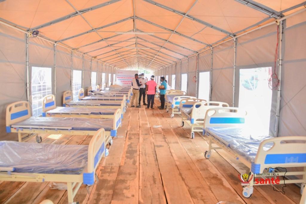 Construction d'un hôpital mobile pour la prise en charge des malades du coronavirus. 2