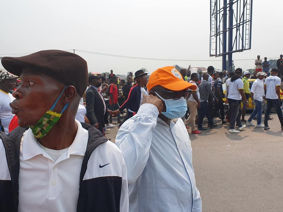 Journée paradoxale, la police transporte les manifestants par ici, et tire sur la foule là-bas. 3 combattants tués, l'UDPS demande le départ du ministre UDPS de l'Intérieur (Kabuya) 5