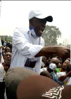 Journée paradoxale, la police transporte les manifestants par ici, et tire sur la foule là-bas. 3 combattants tués, l'UDPS demande le départ du ministre UDPS de l'Intérieur (Kabuya) 1