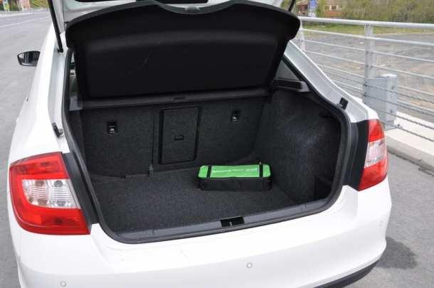 Skoda Rapid 1.6 TDI www.e-motoring.com