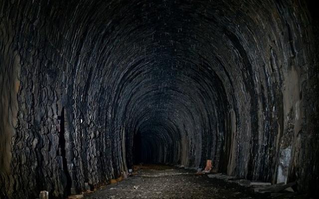 Вижте какво се крие в тайният тунел, който свързва Северна с Южна България!