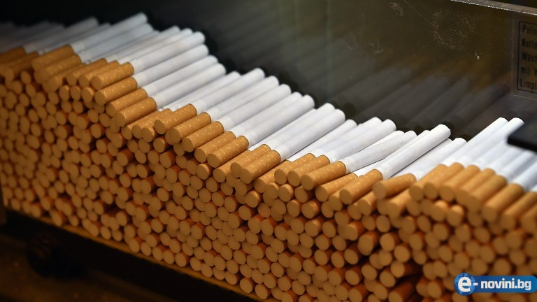 Бруталната истина за цигарите, която никоя компания няма да разкрие - вижте как се правят и какво слагат вътре!