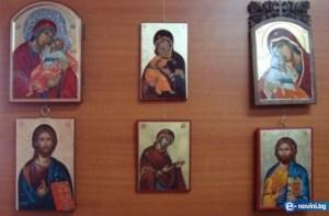 как се слагат иконите в дома