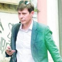 Първи СНИМКИ от дома на Виктор Николаев - вижте как живее тв водещия!