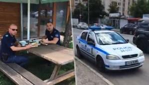 Младеж пипна полицаи в нарушение (Видео)