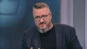 Мартин Карбовски към властта: Пикая върху вас!
