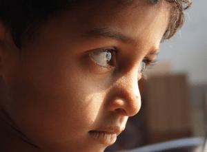 Studiu: Copiii sunt afectati in mod diferit de stresul traumatic, in functie de sex