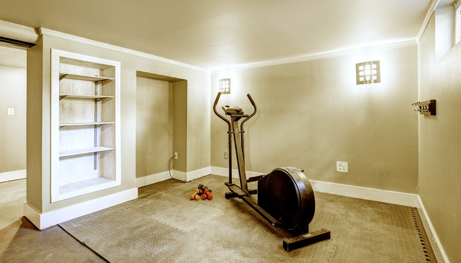 Rubber flooring in basement gym