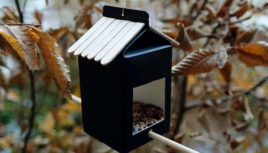 Black hanging bird feeder