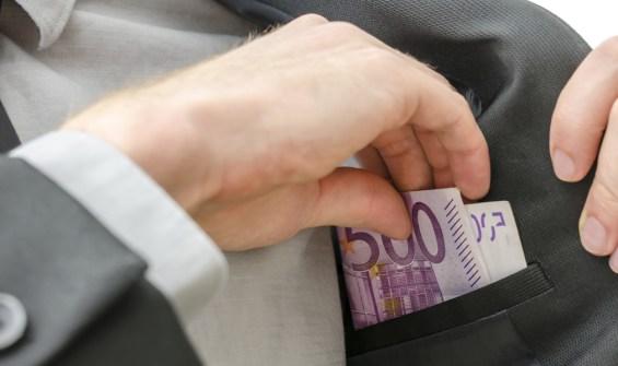 τσέπη χρήματα
