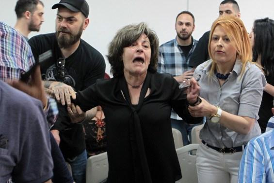 Η Μάγδα Φύσσα (Κ),  μητέρα του Παύλου Φύσσα,  που δολοφονήθηκε στο Κερατσίνι στις 18 Σεπτεμβρίου του 2013 από τον Γιώργο Ρουπακιά, κατά την τέταρτη μέρα της δίκης, όπου το τριμελές Εφετείο Κακουργημάτων δικάζει την ηγεσία, στελέχη και μέλη της Χρυσής Αυγής  για βίαιες αιματηρές πράξεις, που καταλογίζονται στους κατηγορούμενους, στις γυναικείες φυλακές του Κορυδαλλού,την Παρασκευή 15 Μαΐου 2015. ΑΠΕ-ΜΠΕ/ΑΠΕ-ΜΠΕ/ΠΑΝΤΕΛΗΣ ΣΑΪΤΑΣ
