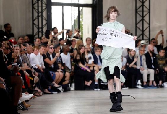 Rick Owens - Runway - Paris Men Fashion Week S/S 2016