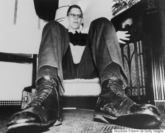 UNITED STATES - APRIL 01:  The Tallest Man In The World Robert Wadlow In New York On April 1937  (Photo by Keystone-France/Gamma-Keystone via Getty Images)