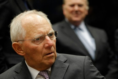 epa04964612 German Finance Minister Wolfgang Schaeuble at the start of the Eurogroup finance ministers meeting at the European Convention Center in Luxembourg, 05 October 2015. Greece will again be on the agenda of the meeting of Eurgroup finance ministers.  EPA/JULIEN WARNAND