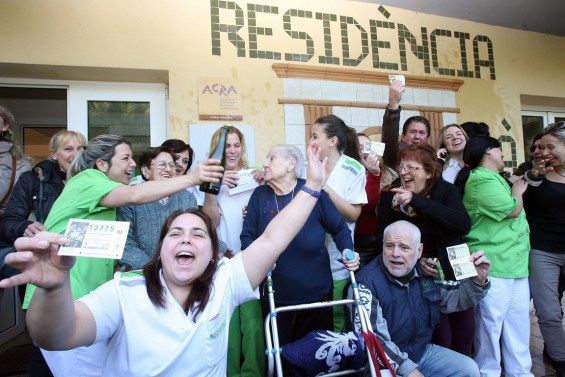 Second Prize celebrations for the 'El Gordo' lottery