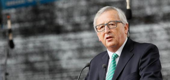 epa04796653 European Commission President Jean-Claude Juncker delivers a speech during the 30th anniversary of the Schengen Treaty in Schengen, Luxembourg, 13 June 2015. The treaty on the abolition of borders in Europe and the principle of free movement of people, goods and services was signed 30 years ago in the village of Schengen.  EPA/MATHIEU CUGNOT