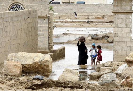 Sixteen Yemenis died in flash floods