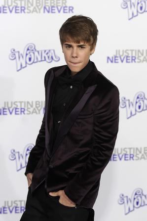 Justin Bieber: Ο νεαρός star της pop δωρίζει συχνά γενναία ποσά, ενώ μέρος των εσόδων των συναυλιών που κάνει διατίθενται σε φιλανθρωπικά ιδρύματα.