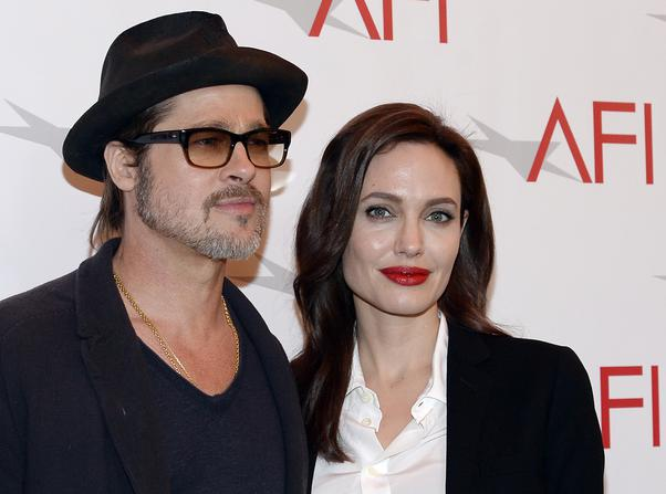 "Brad Pitt- Angelina Jolie: Έχουν ξοδέψει τεράστια ποσά από την περιουσία τους για φιλανθρωπίες σε όλο τον κόσμο. Μάλιστα, έχουν δημιουργήσει τον οργανισμό ""Maddox Jolie-Pitt Foundation"" o οποίος μάχεται ενάντια στην φτώχεια, προστετεύοντας παράλληλα φυσικές πηγές του περιβάλλοντος."