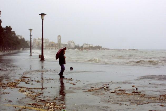 Βροχοπτώσεις στον Αλμυρό και χιονόνερο στη Ζαγορά- Υποχωρούν τα φαινόμενα στο Βόλο