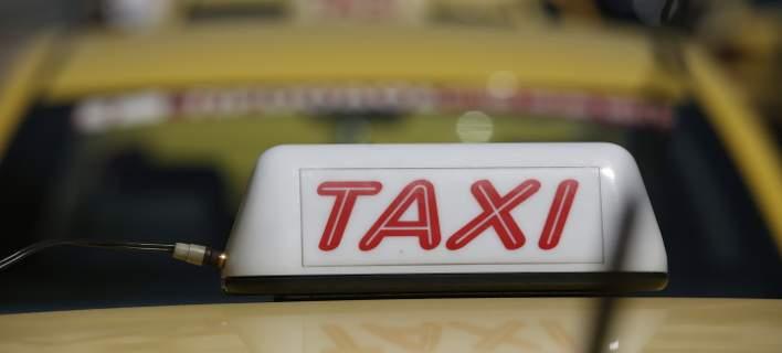 Επέβαινε σε ταξί και τον εντόπισαν να κατέχει χασίς στον δρόμο Βόλου-Λάρισας