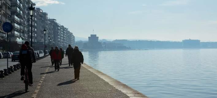 Θεσσαλονίκη: 80χρονος έπεσε στον Θερμαϊκό