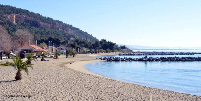 Καθαρισμός του πάρκου και της παραλίας του Αναύρου σήμερα από την Επιτροπή Αγώνα Πολιτών