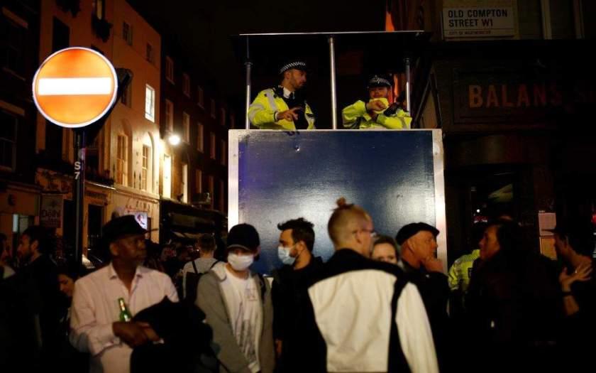 Βρετανία: Είκοσι δύο νέοι θάνατοι από COVID-19