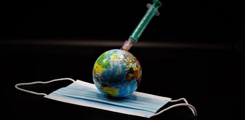 Μόσιαλος: 300 τα υποψήφια εμβόλια – Το «κλειδί» για την έγκριση