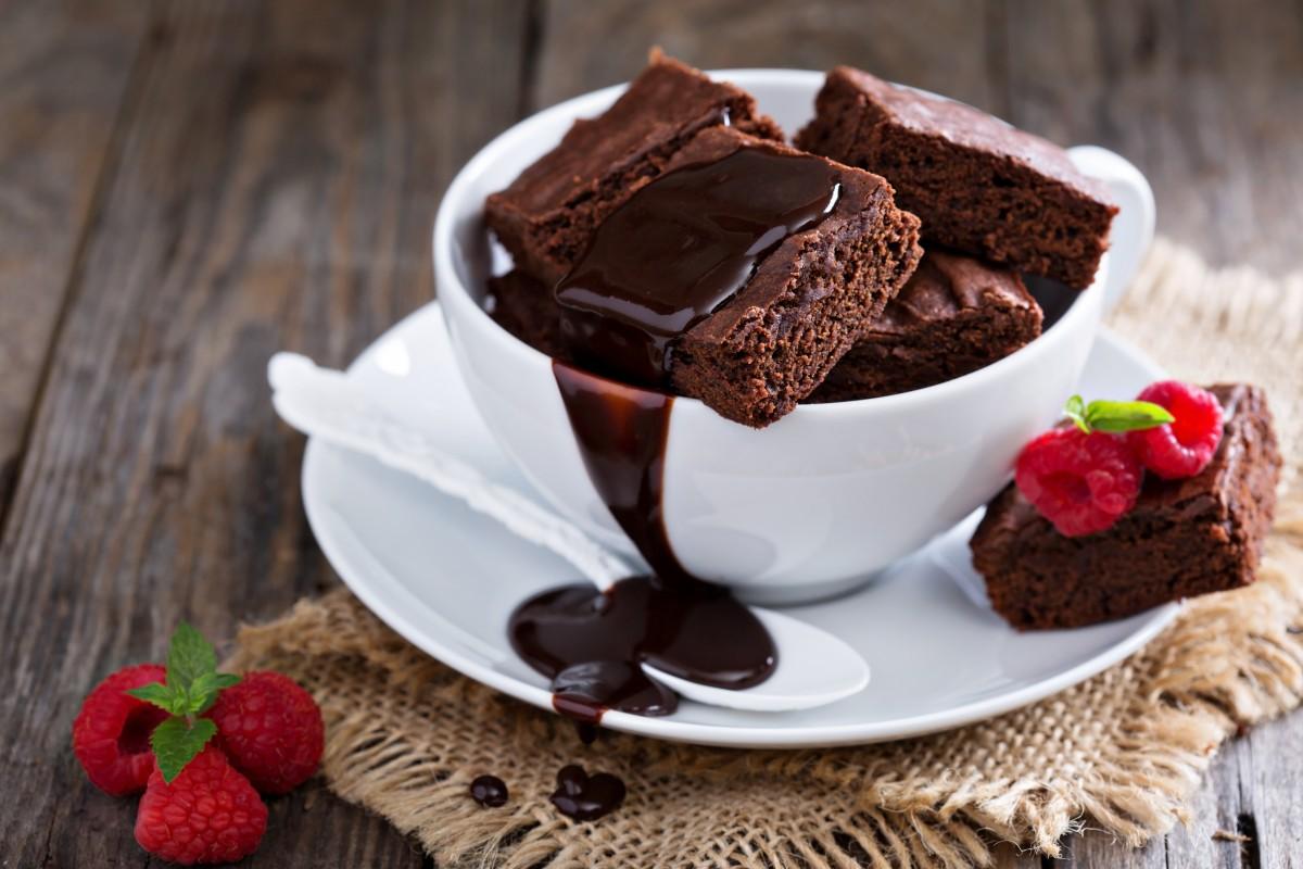 Tο υπέροχο brownies χωρίς ζάχαρη και αλεύρι με 2 υλικά