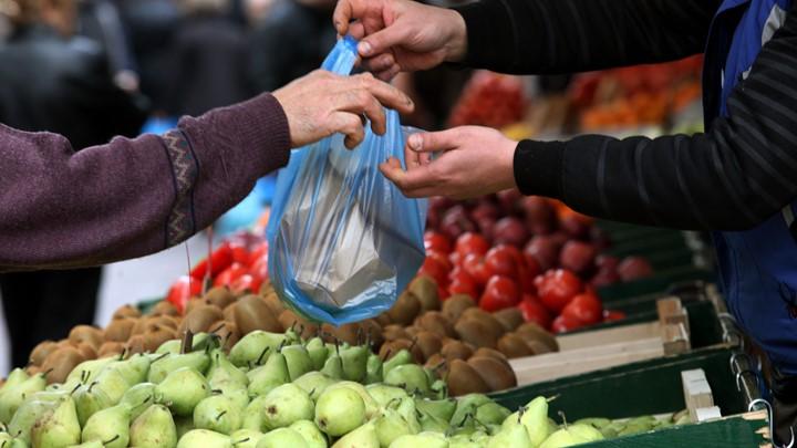 ΒΟΛΟΣ: Προσαγωγές και πρόστιμα μετά από έλεγχο μικτού κλιμακίου στην λαϊκή αγορά